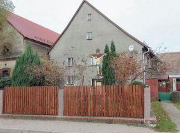 Kamienny krzyż przydrożny, Męcinka, powiat jaworski.