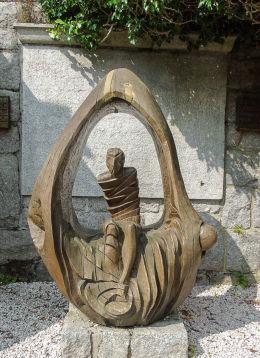 Przydrożna rzeźba św. Łazarza przy Świątyni Wang. Karpacz.