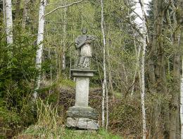 Przydrożna kapliczka z figurą św. Jana Nepomucena. Rudawa, gmina Bystrzyca, powiat kłodzki.