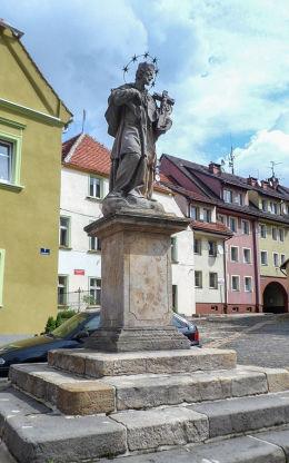 Barokowa figura św. Jana Nepomucena. Lubomierz, powiat lwówecki.