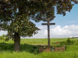 Krzyż przydrożny drewniany. Pogorzała, gmina Świdnica, powiat świdnicki.