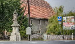 Przydrożna barokowa figura święta. Stary Jaworów, gmina Jaworzyna Śląska, powiat świdnicki.