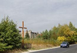 Drewniany krzyż przydrożny. Wierzbna, gmina Żarów, powiat świdnicki.