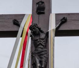 Krzyż przydrożny. Głuszyca Górna, gmina Głuszyca, powiat wałbrzyski.