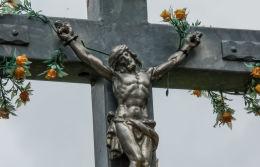 Krzyż przydrożny, metalowy. Podlesie, gmina Walim, powiat wałbrzyski.