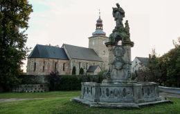 Pomnik św. Jana Nepomucena z 1733 r. Tyniec nad Ślęzą, gmina Kobierzyce, powiat wrocławski.