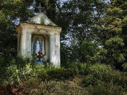 Kapliczka przydrożna - prawdopodobnie XIX wiek. Żniatyn, gmina Dołhobyczów, powiat hrubieszowski.