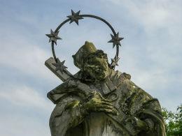 Przydrożna figura św. Jana Nepomucena. Sokola Dąbrowa, gmina Bledzew, powiat międzyrzecki.