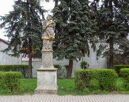 Barokowa figura św. Jana Nepomucena z 1715 r. Kożuchów, powiat nowosolski.