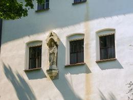 Kapliczka św. Józefa na ścianie klasztoru bernardynek od strony Plant. Kraków, Kraków.