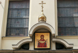 Kapliczka nad wejściem do cerkwi prawosławnej pw. Zaśnięcia Najświętszej Maryi Panny przy ulicy Szpitalnej. Kraków, Kraków.
