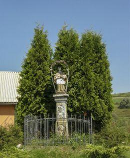 Przydrożna kapliczka z figurą św. Jana Nepomucena z 1758 r. Orawka-Zawoda, gmina Jabłonka, powiat nowotarski.
