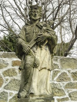 Przydrożna figura św. Jan Nepomucena. Kalwaria Zebrzydowska, powiat wadowicki.