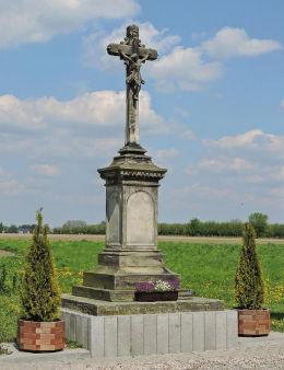Przydrożny krzyż z 1879 r. Stara Błotnica, powiat białobrzeski.