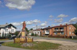 Przydrożna kapliczka z figurą Chrystusa. Grabowiec, gmina Rzeczniów, powiat lipski.