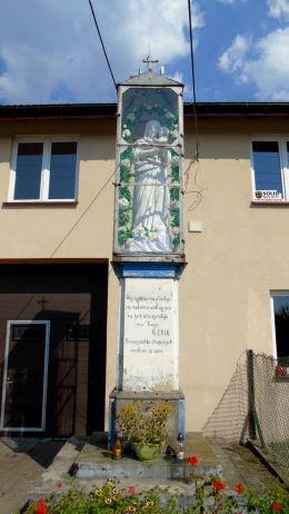 Przydrożna kapliczka Matki Boskiej przy ulicy Zamkowej. Otwock Wielki, gmina Karczew, powiat otwocki.
