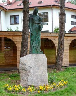 Figura św. Józefa z Dzieciątkiem przy kościele św. Dominika. Warszawa, Mokotów.