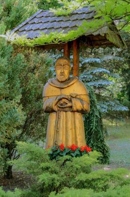 Figurka św. Franciszka z Asyżu. Hornówek, gmina Izabeli, powiat warszawski zachodni.