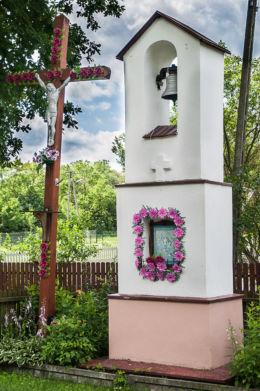 Przydrożna kapliczka. Jelna, gmina Nowa Sarzyna, powiat leżajski.