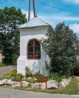 Przydrożna kapliczka ufundowana w 1662 roku przez Maksyma Mielczarka. Leżajsk, powiat leżajski.
