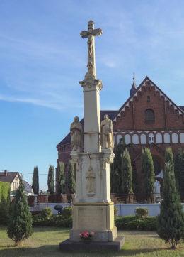 Krzyż przydrożny, kamienny przy ulica św.Jana 53. Suszec, powiat pszczyński.