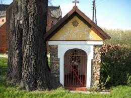 Przydrożna kapliczka z figurą św. Jana Nepomucena. Stanowice, gmina Czerwionka Leszczyny, powiat rybnicki.
