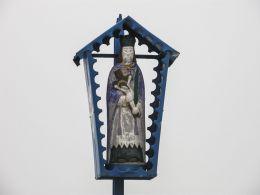Przydrożna kapliczka z figurą św. Jana Nepomucena. Radziechowy-Wieprz, powiat żywiecki.