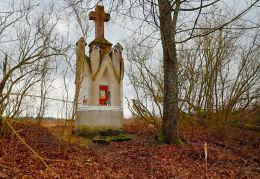 Kapliczka przydrożna. Barwiny, gmina Gietrzwałd, powiat olsztyński.