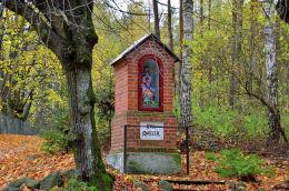 Kapliczka przydrożna. Brąswałd, gmina Dywity, powiat olsztyński.