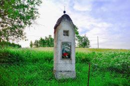 Kapliczka przydrożna. Dągi, gmina Diwity, powiat olsztyński.