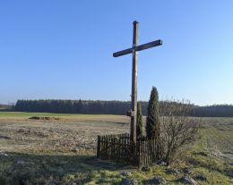 Przydrożny krzyż. Wymysław, gmina Chodzież, powiat chodzieski.