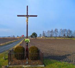Krzyż przydrożny. Marunowo, gmina Czarnków, czarnkowsko-trzcianecki.