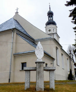 Kapliczka Matki Boskiej i kościół św. Michała Archanioła. Połajewo, czarnkowsko-trzcianecki.