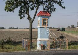 Kapliczka przydrożna. Łabiszynek, gmina Gniezno, powiat gnieźnieński.