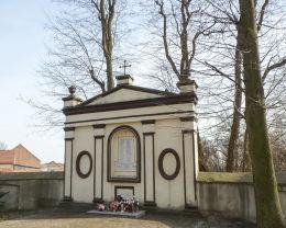 Kapliczka – pomnik ofiar I wojny światowej. Żytowiecko, gmina Poniec.
