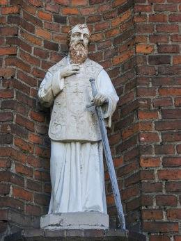 Figura św. Walentego w niszy kaplicy pod jego wezwaniem. Wielichowo, powiat grodziski.