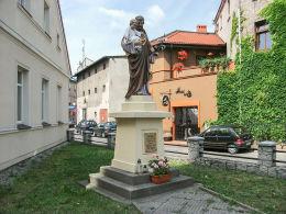 Przydrożna figura św. Józefa przy ulicy Piekarskiej. Krotoszyn, powiat krotoszyński.