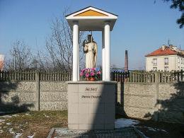 Przydrożna kapliczka św. Józefa, patrona diecezji kaliskiej. Krotoszyn, powiat krotoszyński.