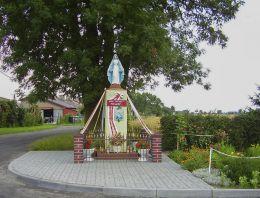 Kapliczka przydrożna. Czajcze, gmina Wysoka, powiat pilski.