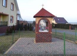 Przydrożna kapliczka murowana. Kaczory, powiat pilski.