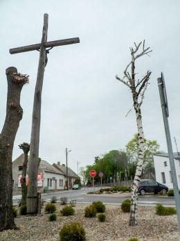 Przydrożny krzyż u zbiegu ulic Świętego Rocha i Wielkowiejskiej. Buk, powiat poznanski.