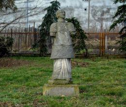 Figura św. Wawrzyńca przy kaplicy w centrum wsi. Wronczyn, gmina Stęszew, powiat poznanski.