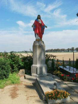 Figura Jezusa Chrystusa na cmentarzu parafialnym. Iłówiec, gmina Brodnica, powiat śremski.