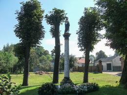 Kapliczka słupowa z figurą Chrystusa z 1888 r. Iłówiec Wielki, gmina Brodnica, powiat śremski.