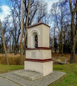 Przydrożna kapliczka św. Wawrzyńca. Chobienice, gmina Siedlec, powiat wolsztyński.