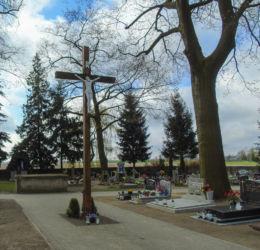 Krzyż wotywny na cmentarzu parafialnym. Gościeszyn, gmina Wolsztyn, powiat wolsztyński.