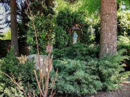Przemęt.Kapliczka w ogrodzie przy kościele. Siekowo, gmina. Przemęt, powiat wolsztyński.