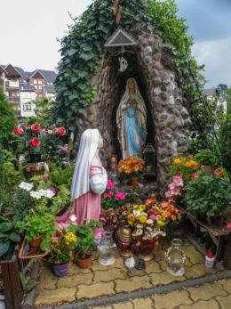 Grota Matki Bożej przy Kaplicy Stella Marris na ulicy Krótkiej. Międzyzdroje, powiat kamieński.