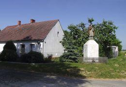 Przydrożna figura św.Jana Nepomucena. Rutwica, gmina Wałcz, powiat wałecki.