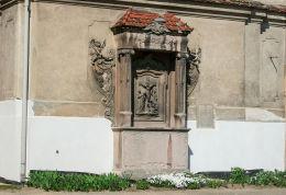 Kapliczka przy kościele pocysterskim św. Marcina, pomnik poległych w latach 1914-1918. Siciny, gmina Niechlów.